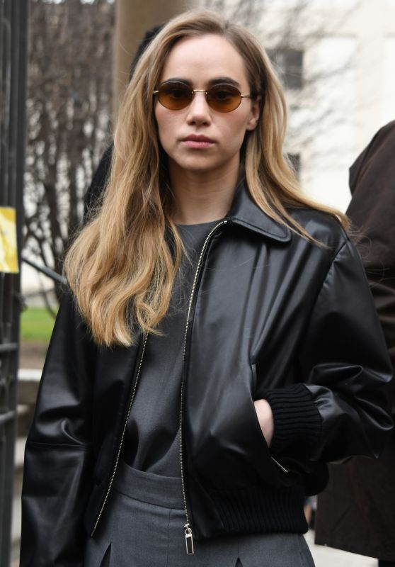 Suki Waterhouse - Salvatore Ferragamo Show in Milan 02/23/2019