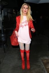 Tara Reid Night Out Style - Madeo in Beverly Hills 02/14/2019