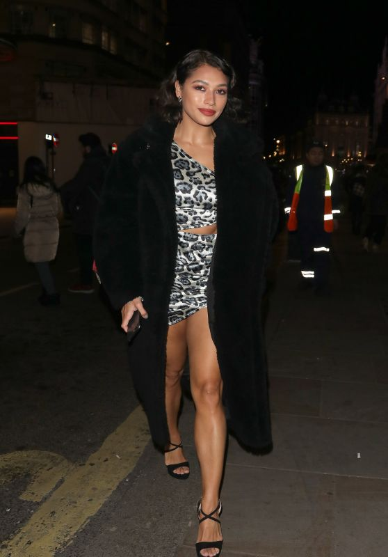 Vanessa White Night Out - Celebrating Her Sisters Birthday at Disco 54 Club in London 02/22/2019