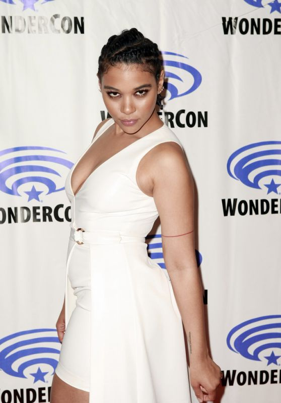 "Alexandra Shipp – ""Dark Phoenix"" Press Line at WonderCon 2019"