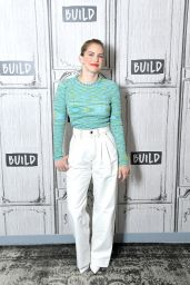 Anna Chlumsky - BUILD Studio in NYC 03/28/2019