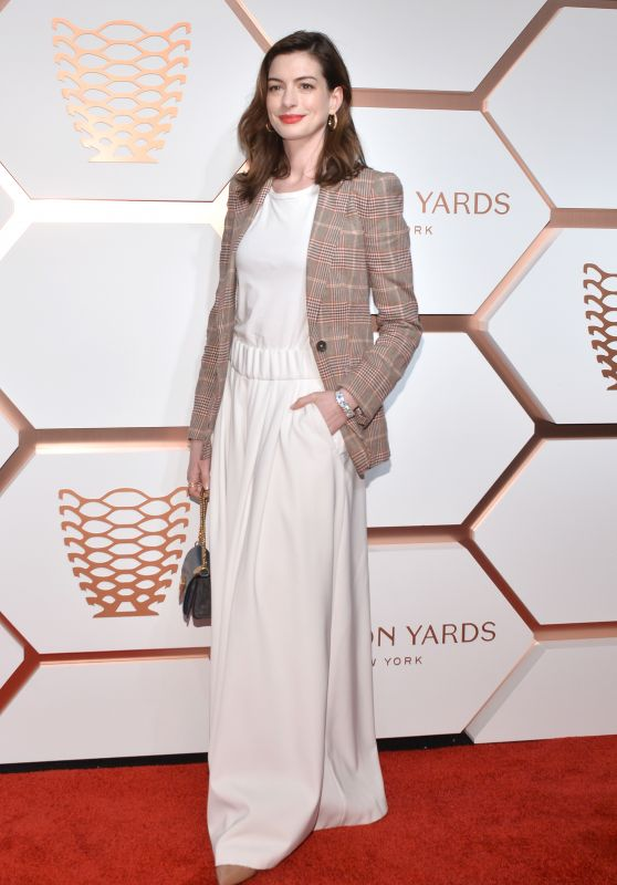 Anne Hathaway – The Shops & Restaurants at Hudson Yards Preview Celebration 03/14/2019