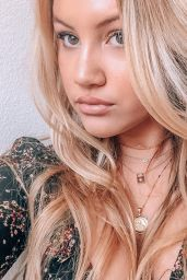 Brooke Sorenson - Personal Pics 03/11/2019