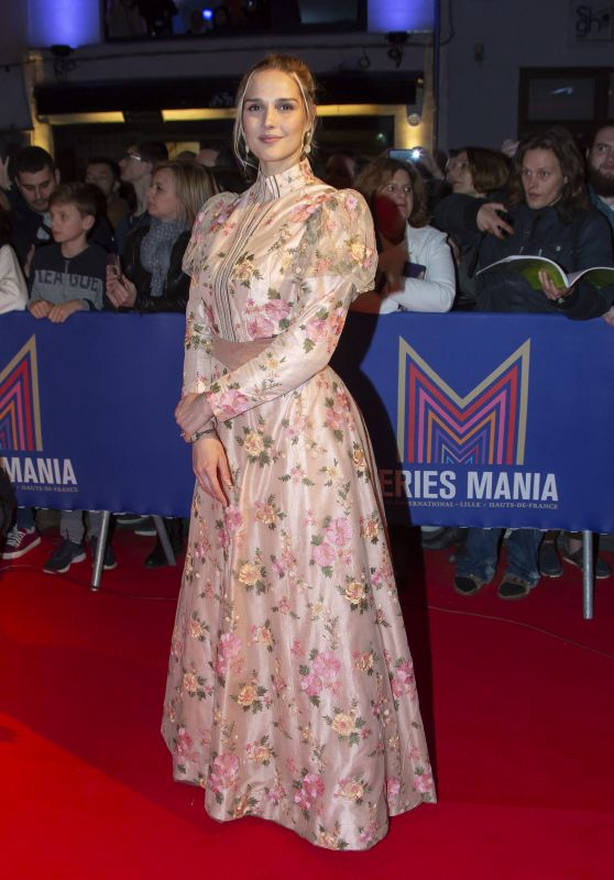 Camille Lou – Series Mania Festival Opening Ceremony in Lille 03/22/2019