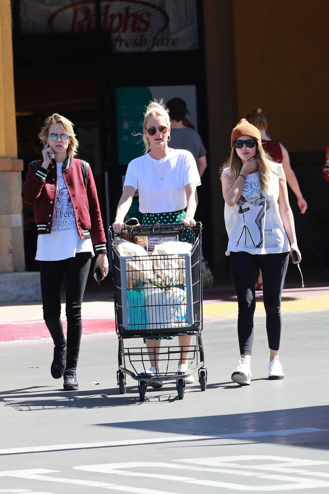 Cara Delevingne And Ashley Benson Shopping In Studio