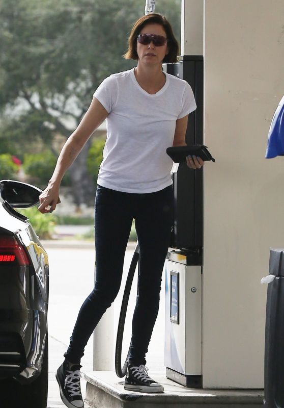 Charlize Theron at a Gas Station in LA 03/19/2019