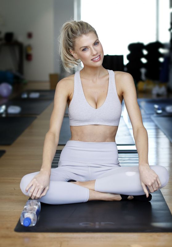 Charlotte McKinney at a Yoga Class 03/11/2019