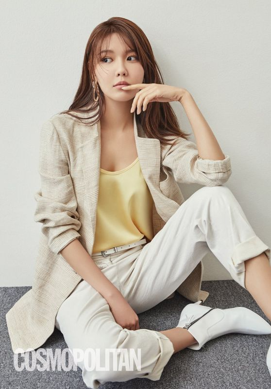 Choi Sooyoung - Cosmopolitan Magazine March 2019