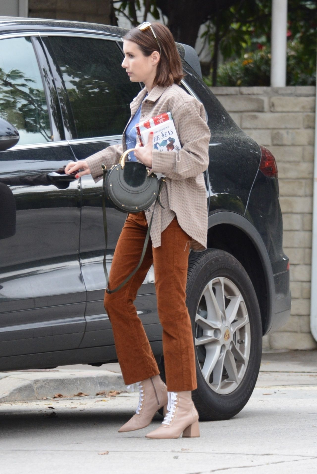 Emma Roberts Out In La 03 21 2019
