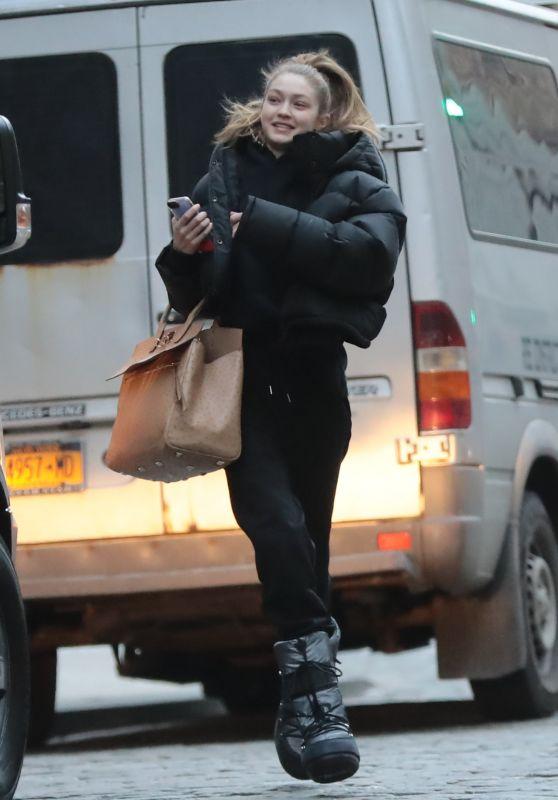 Gigi Hadid Street Style 03/13/2019