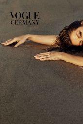 Gisele Bündchen - Vogue Germany April 2019