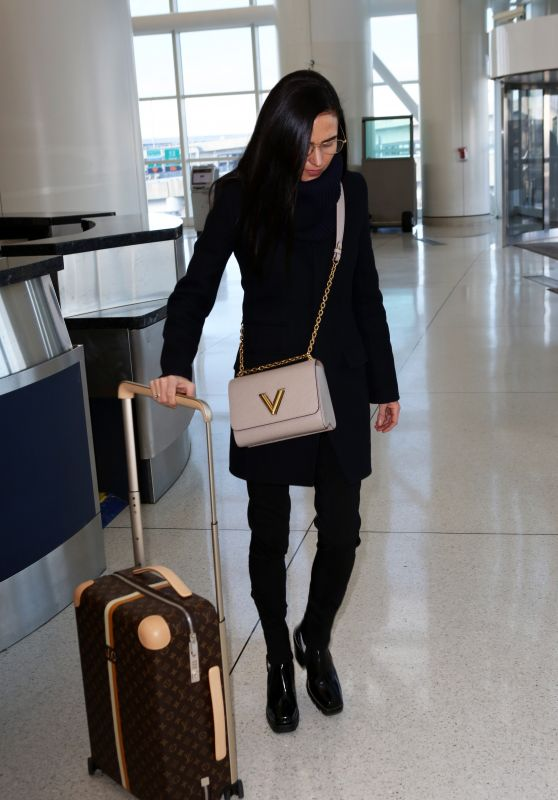 Jennifer Connelly - JFK Airport in NYC 03/04/2019