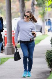Jennifer Garner With Her Friend Out in Brentwood 03/20/2019