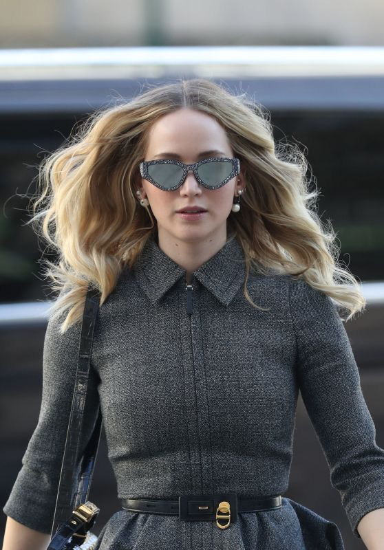 Jennifer Lawrence - Arrives at the La Societe Restaurant in Paris 02/26/2019