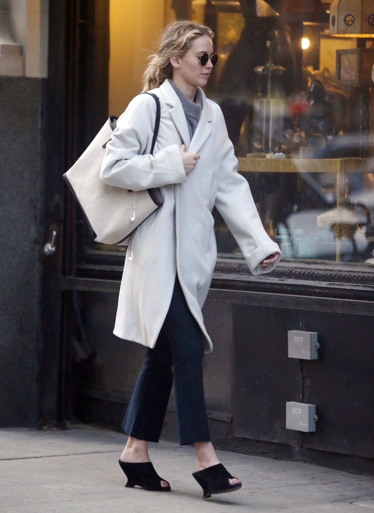 Jennifer Lawrence Out In New York City 03 14 2019
