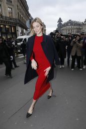 Karlie Kloss Arriving at the Stella McCartney Fashion Show in Paris 03/04/2019