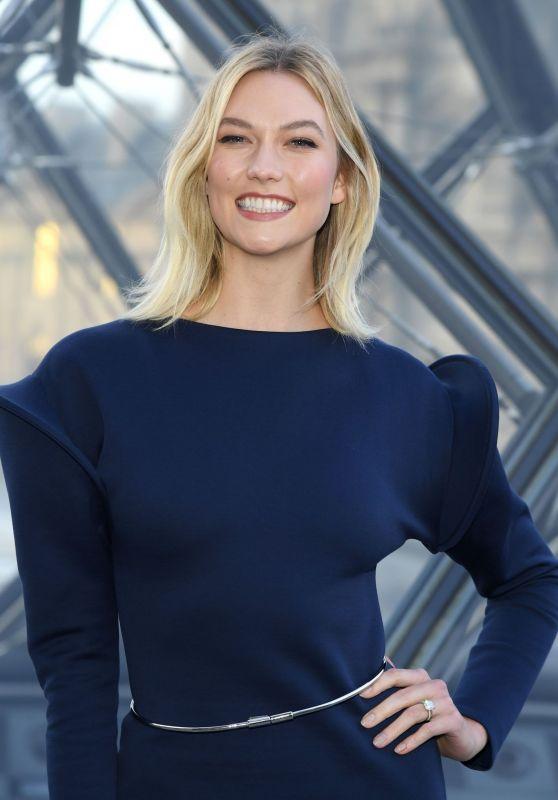 Karlie Kloss – Louis Vuitton Fashion Show in Paris 03/05/2019