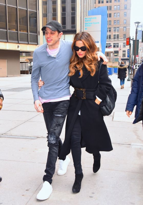 Kate Beckinsale and Pete Davidson Arriving at the NY Rangers Game in NYC 03/03/2019