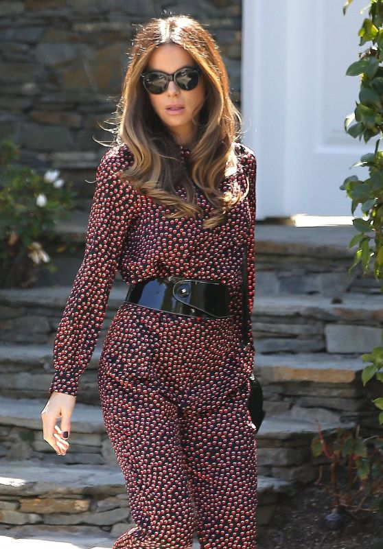 Kate Beckinsale - Heads to CBS Studios in Los Angeles 03/14/2019