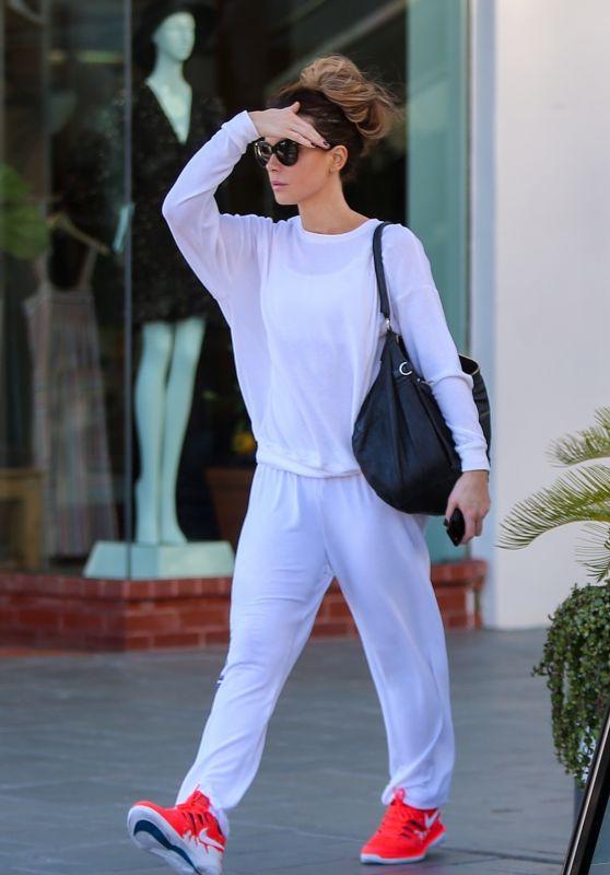 Kate Beckinsale Street Style 03/16/2019