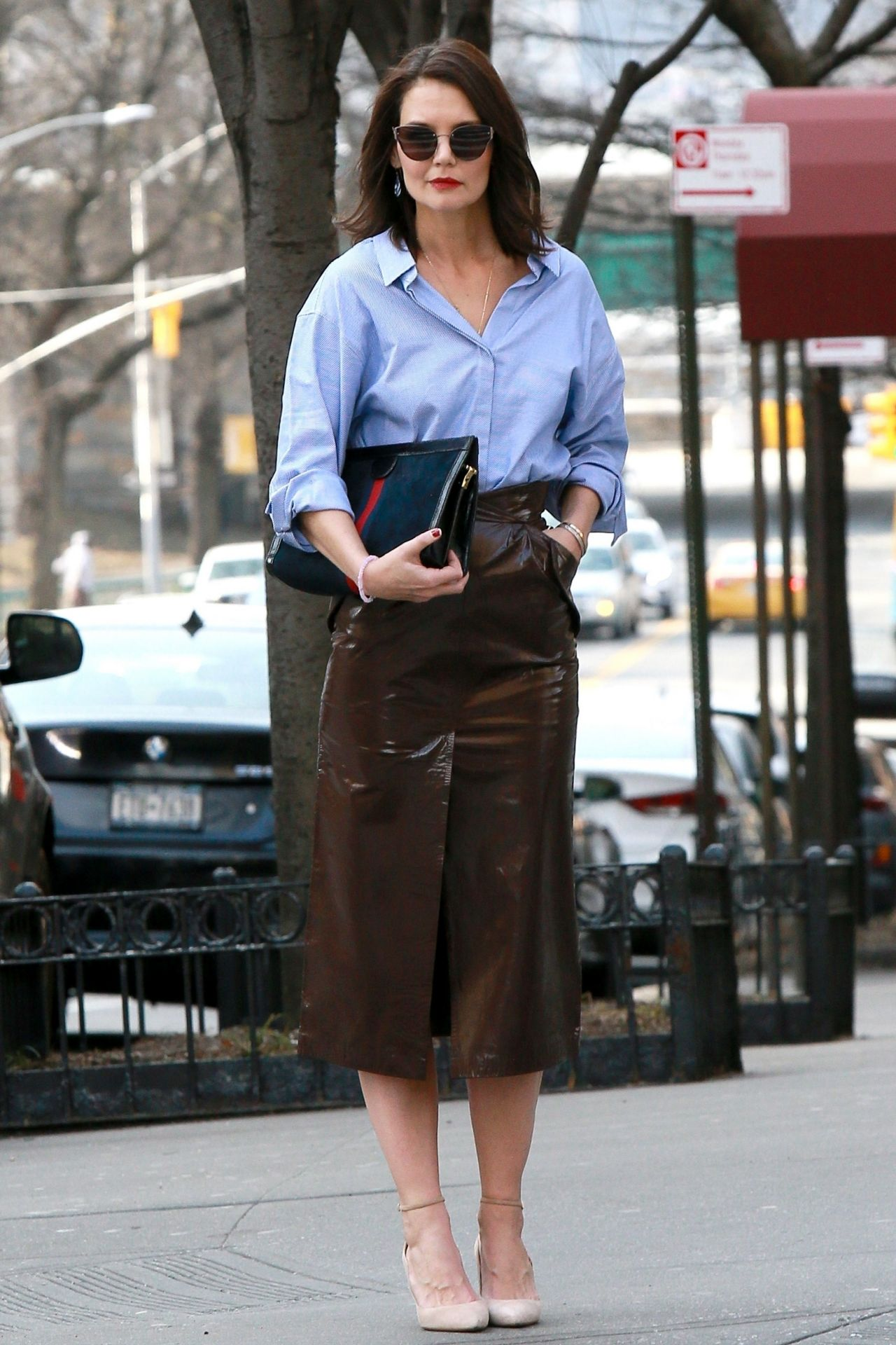 Katie Holmes Is Stylish Out In Nyc 03 14 2019