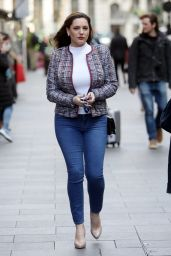 Kelly Brook Street Style 03/14/2019