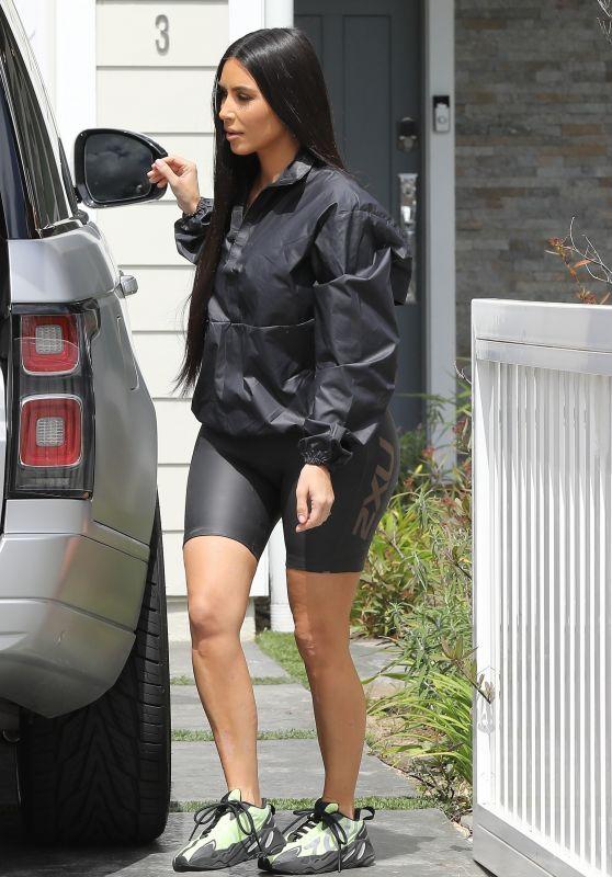 Kim Kardashian in Leggings 03/28/2019