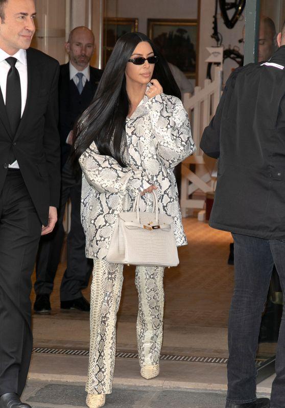 Kim Kardashian - Leaving the Hermes Store in Paris 03/25/2019