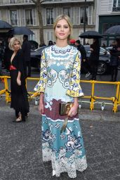 Lala Rudge – Valentino Fashion Show in Paris 03/03/2019