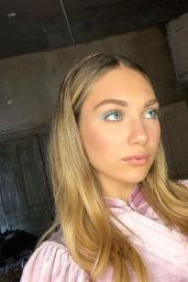 Maddie Ziegler - Personal Pics 03/24/2019