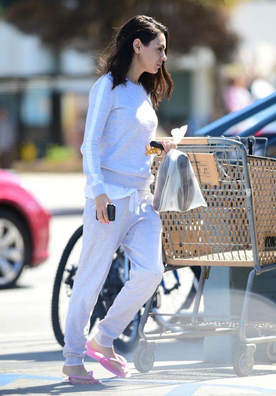 Mila Kunis Street Style 03/15/2019