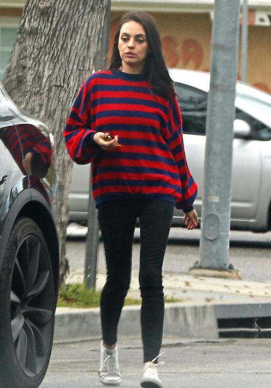 Mila Kunis Street Style - Out in Los Angeles 03/21/2019