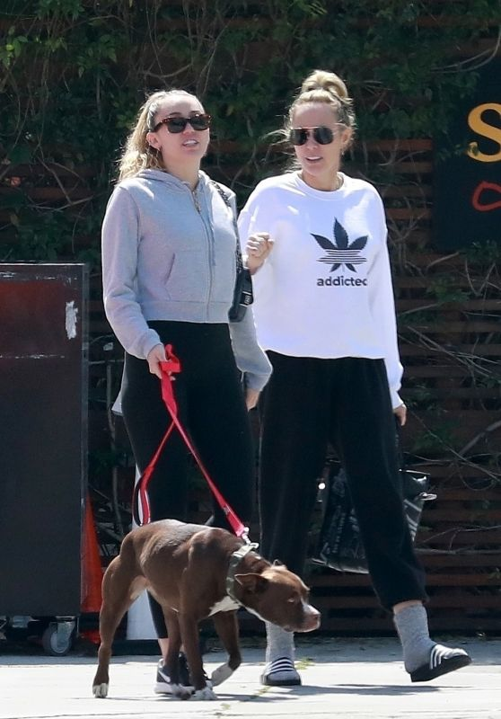 Miley Cyrus With Her Mom - SunCafe Organic in Studio City 03/22/2019