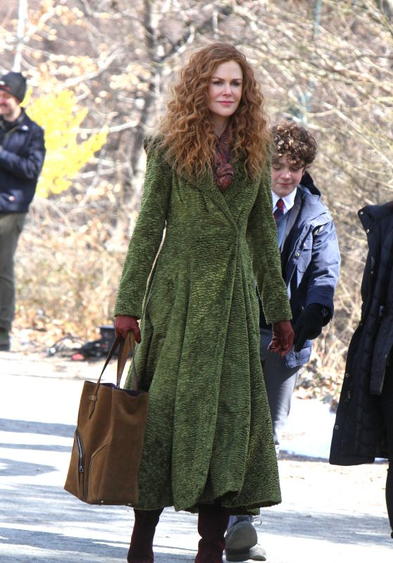 """Nicole Kidman - Filming on Location for """"The Undoing"""" in NYC 03/27/2019"""