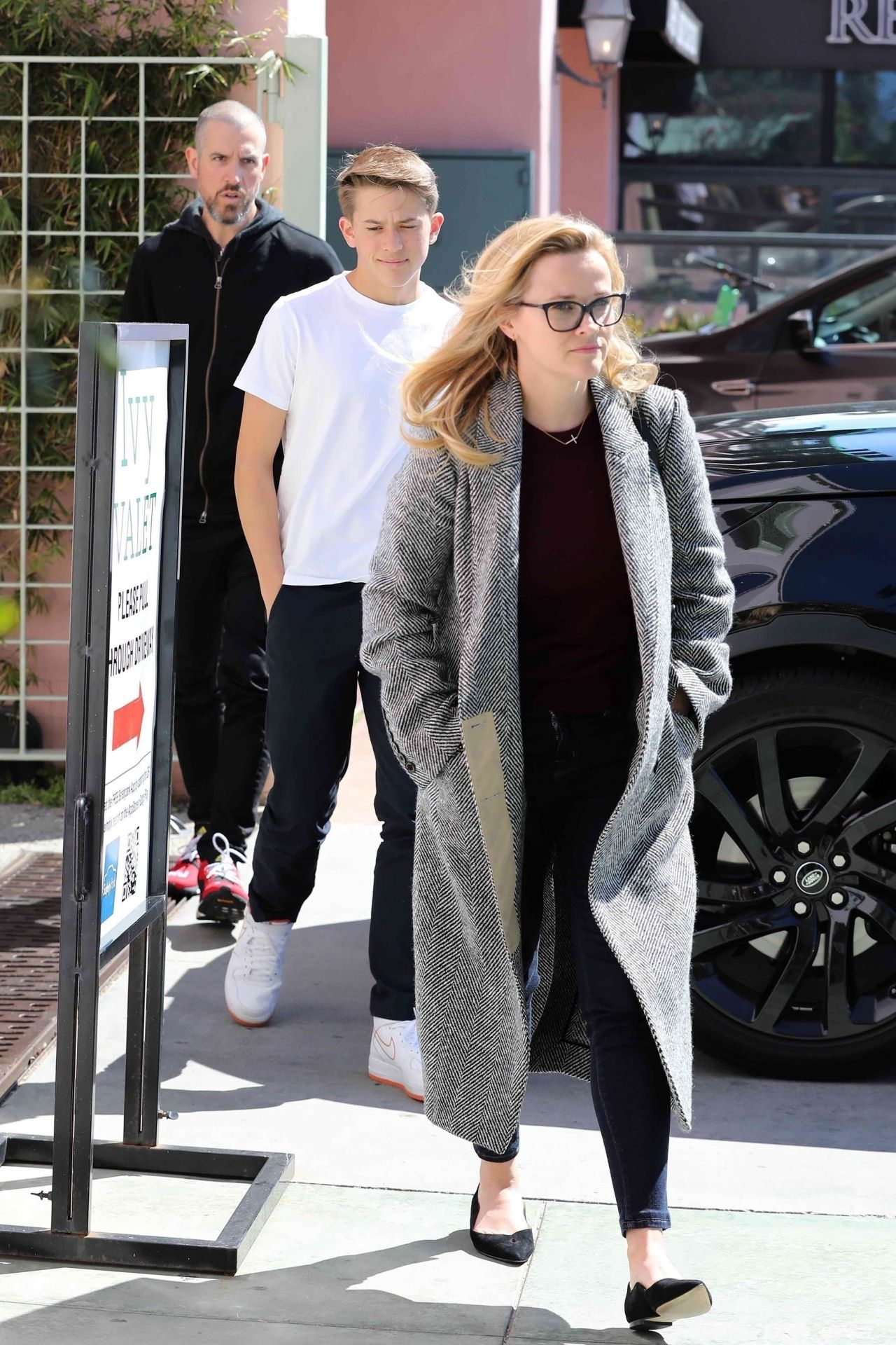 Reese Witherspoon Casual Style 03 10 2019
