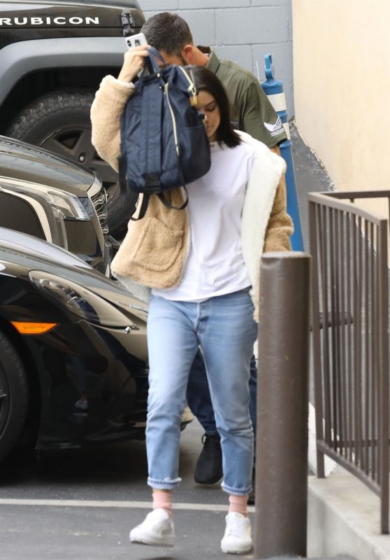 Selena Gomez - Arriving to a Recording Studio in Los Angeles 03/01/2019