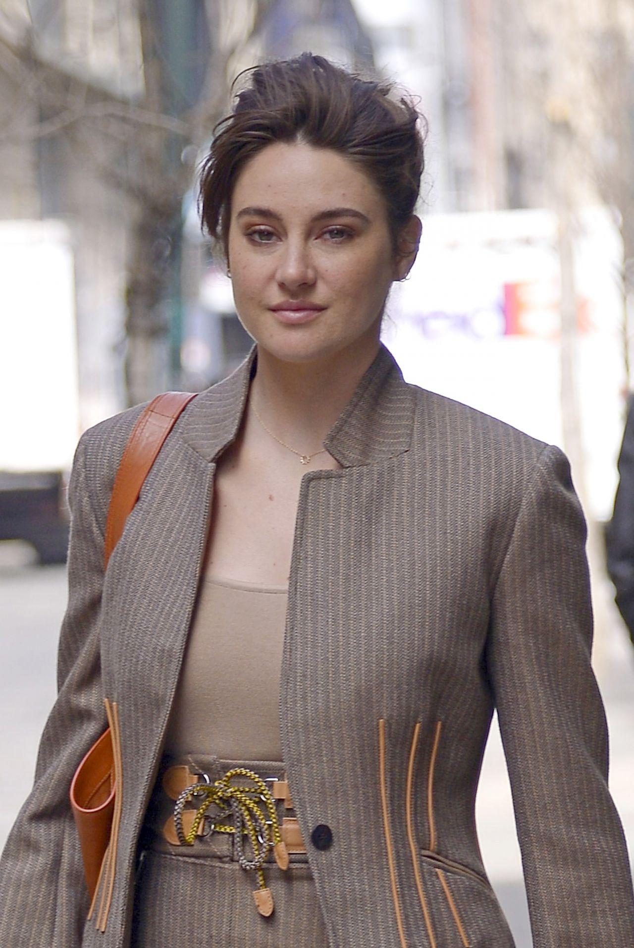 woodley shailene stylish looks york hawtcelebs