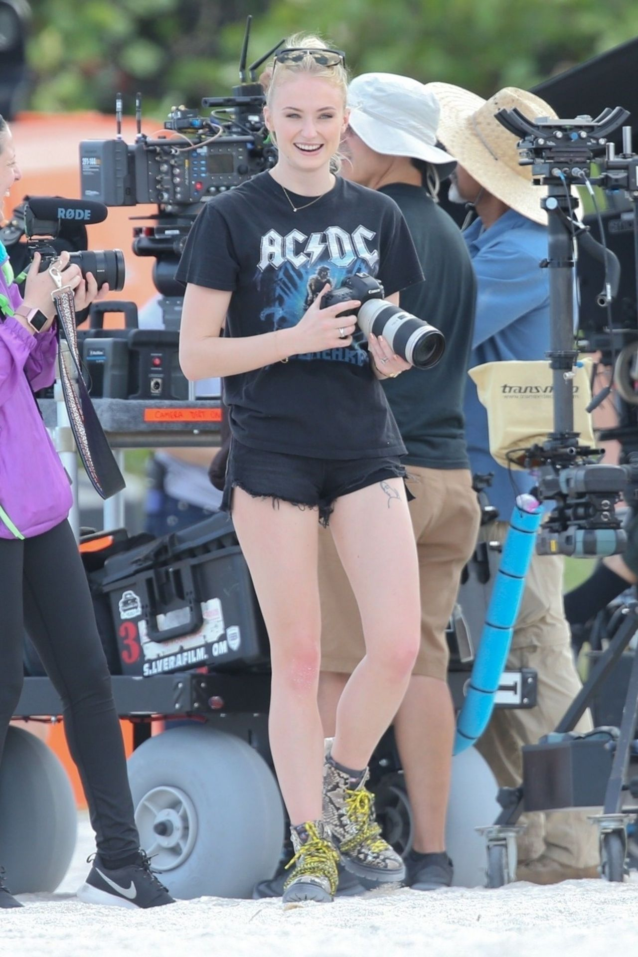 Sophie Turner - Jonas Brothers Beach Video Photoshoot in ...