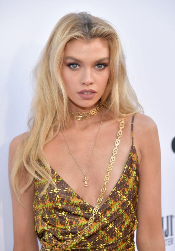 Stella Maxwell – The Daily Front Row Fashion Awards 2019