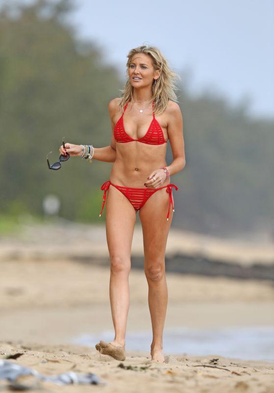 Stephanie Pratt in a Red Bikini on the Beach in Hawaii 03/09/2019
