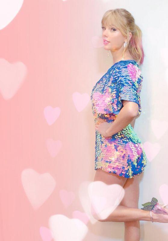 Taylor Swift - Personal Pics 03/15/2019