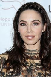 Whitney Cummings – 2019 Animal Hope and Wellness – The Compassion Project Gala