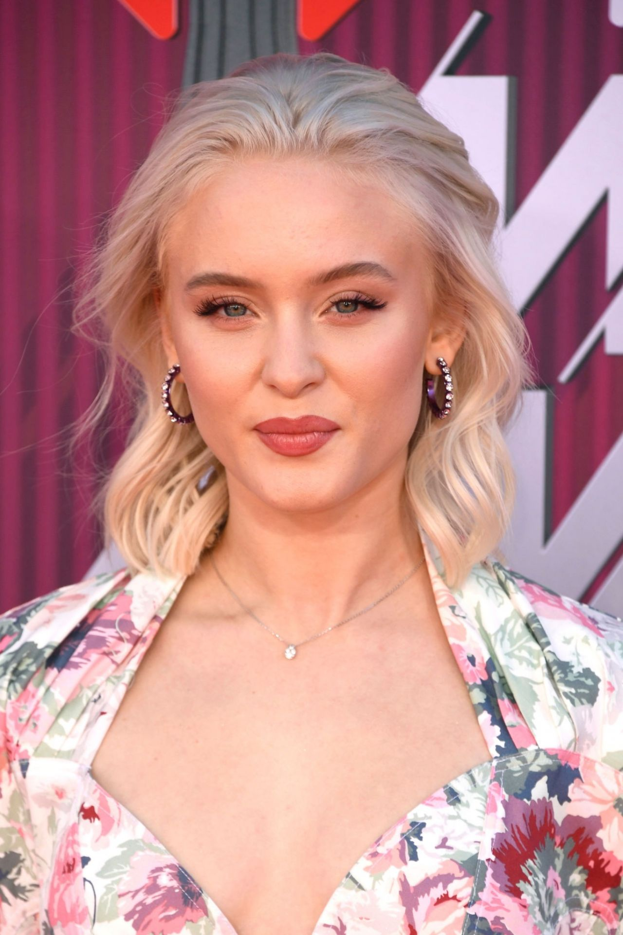 zara larsson iheartradio awards