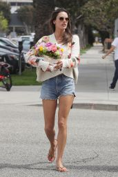 Alessandra Ambrosio at My Nail Bar in Santa Monica 04/11/2019