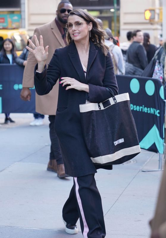 Bridget Moynahan - BUILD Series in New York 04/17/2019