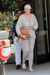 Brigitte Nielsen - Le Pain Quotidien in Los Angeles 04/02/2019