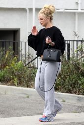 Britney Spears - Out in Thousand Oaks 04/26/2019