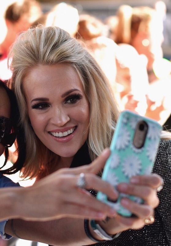 Carrie Underwood - Personal Pics 04/18/2019