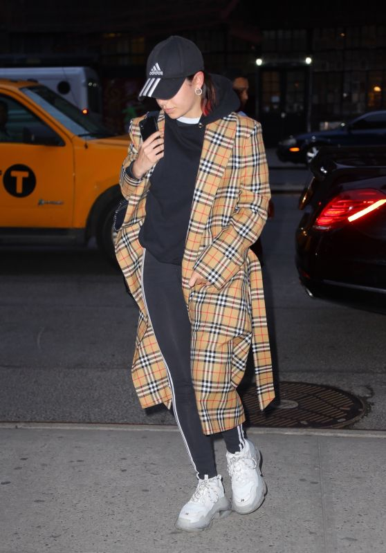 Charli XCX - Arrived at the Bowery Hotel in NYC 04/29/2019