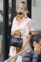 Charlotte McKinney - Out in Los Angeles 04/05/2019
